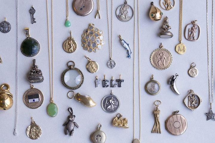 Bundle of 13 antique gold jewellery pendants perfect for jewellery making