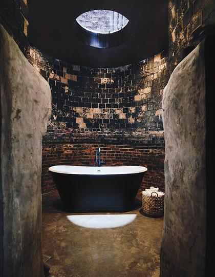 Bathhouse, Brooklyn
